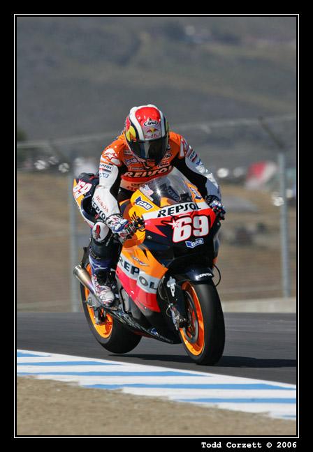 IMAGE: http://www.unitonestudios.com/gallery/motorsports/2006/06_MotoGP_tribute/images/060722_40105.JPG
