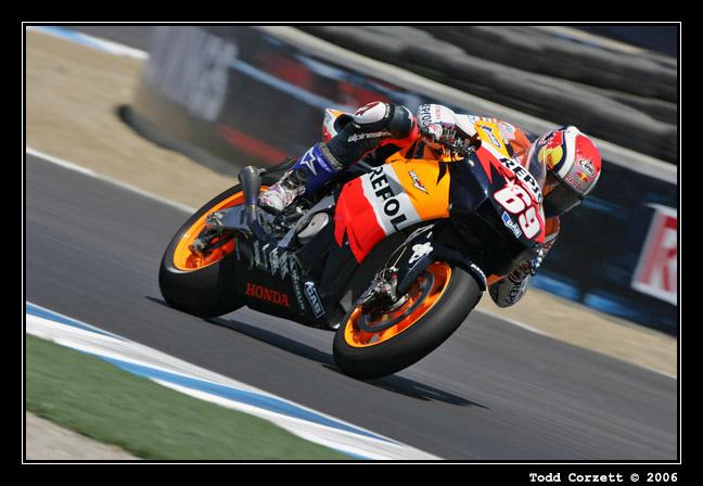 IMAGE: http://www.unitonestudios.com/gallery/motorsports/2006/06_MotoGP_tribute/images/060722_50358.JPG