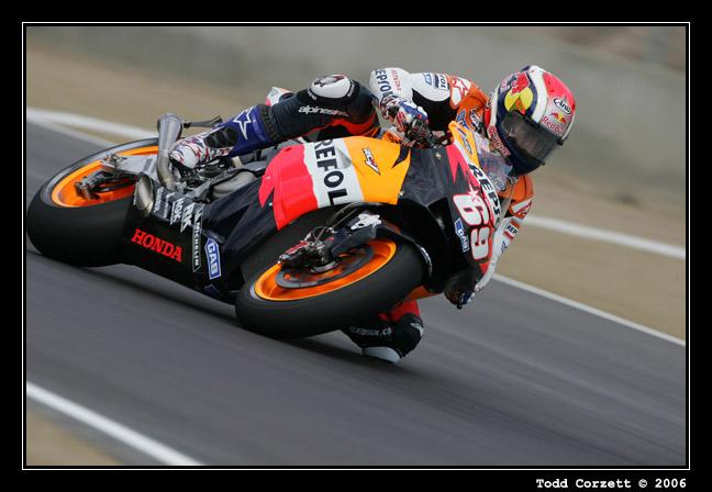 IMAGE: http://www.unitonestudios.com/gallery/motorsports/2006/06_MotoGP_tribute/images/060723_10122.JPG