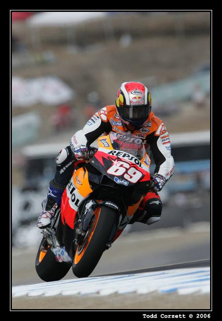 IMAGE: http://www.unitonestudios.com/gallery/motorsports/2006/06_MotoGP_tribute/images/060723_10143.JPG