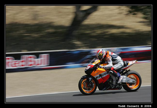 IMAGE: http://www.unitonestudios.com/gallery/motorsports/2006/06_MotoGP_tribute/images/060723_40231.JPG
